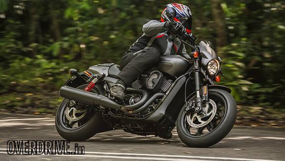 Harley Davidson Street Rod pictures (6)
