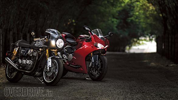 Triumph Thruxton R and Ducati 959 Panigale (4)