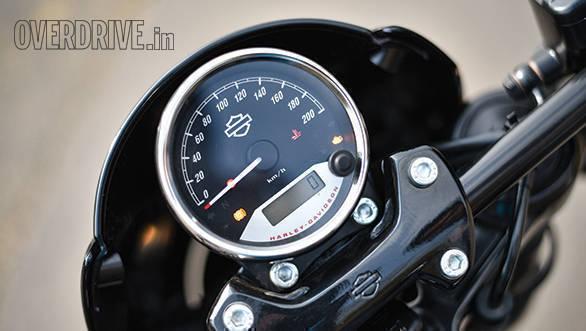 2017 Harley-Davidson Street Rod - Road Test (5)