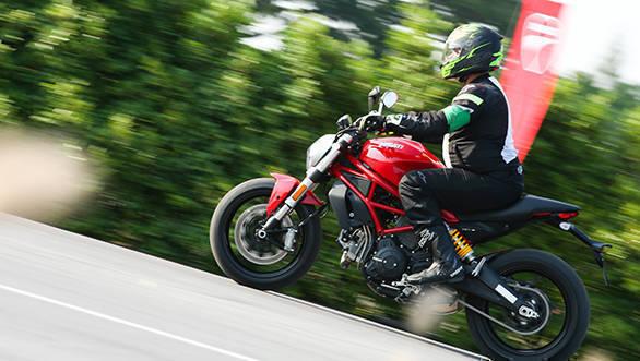 Ducati Monster 797 web (4)