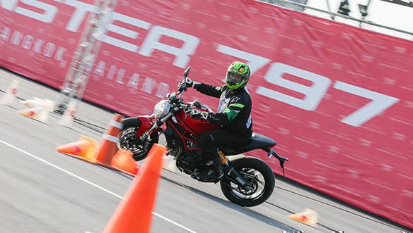 Ducati Monster 797 web (6)