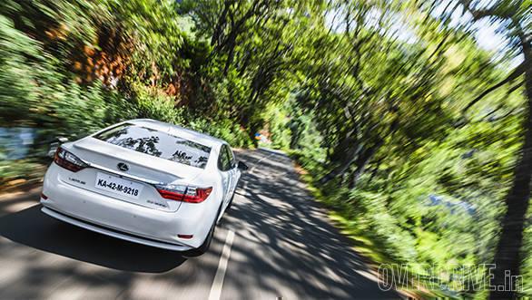 Lexus ES 300h (6)