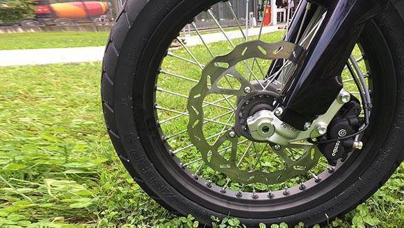 SWM Superdual T front wheel