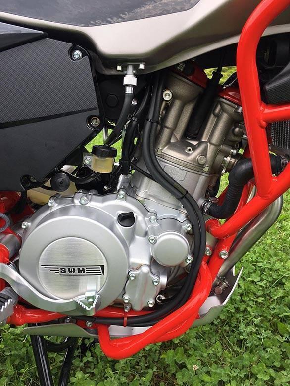 SWM Superdual T engine