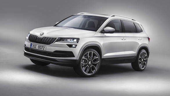 The Skoda Karoq measures 4,382mm in length, 1,841mm in width and 1,605mm in height. This makes it 104mm smaller, 258mm narrower and 52mm shorter than the upcoming Volkswagen Tiguan SUV