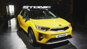 2017 Kia Stonic compact crossover unveiled
