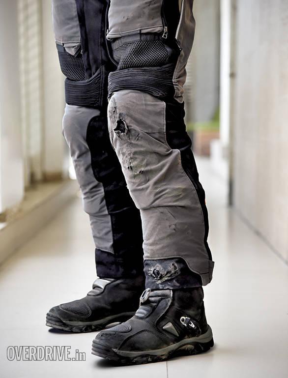Dainese D-Explorer Gore-Tex Pants  (2)