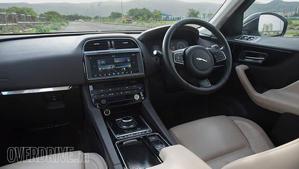 Jaguar F-Pace 20d AWD (5)