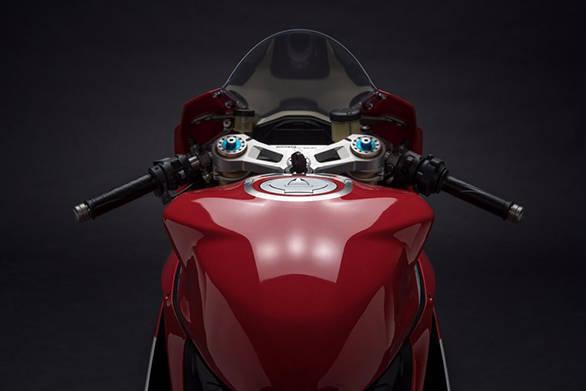 2017 Ducati 1299 Panigale R Final Edition (24)