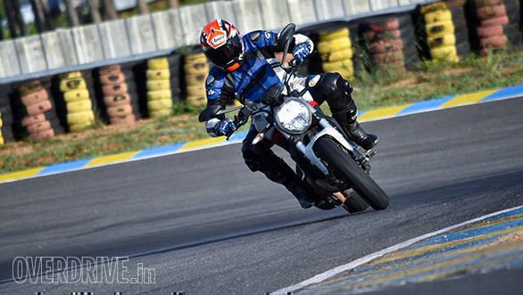 2017 Ducati Monster 797 ACtion