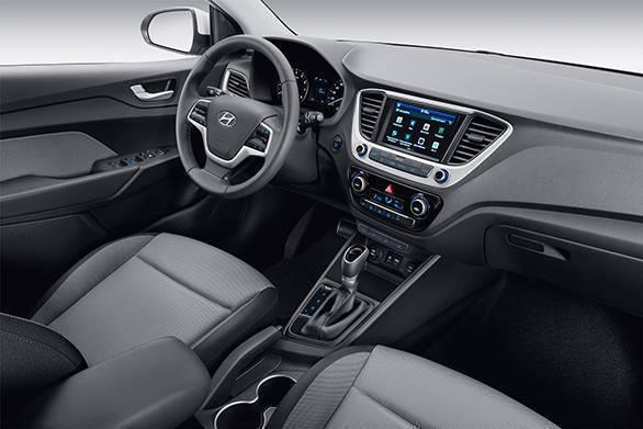2017 Hyundai Verna (11)