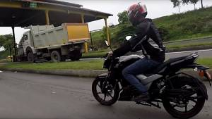 Spied: 2017 TVS Apache RTR 160 spotted testing