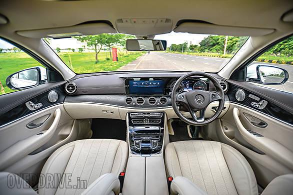 BMW 530D vs Mercedes-Benz E350D (1)