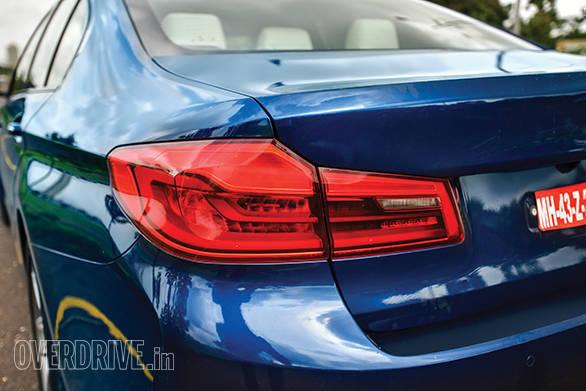 BMW 530D vs Mercedes-Benz E350D (15)