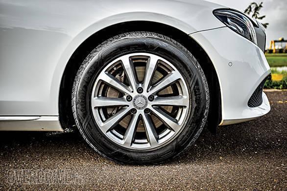 BMW 530D vs Mercedes-Benz E350D (20)