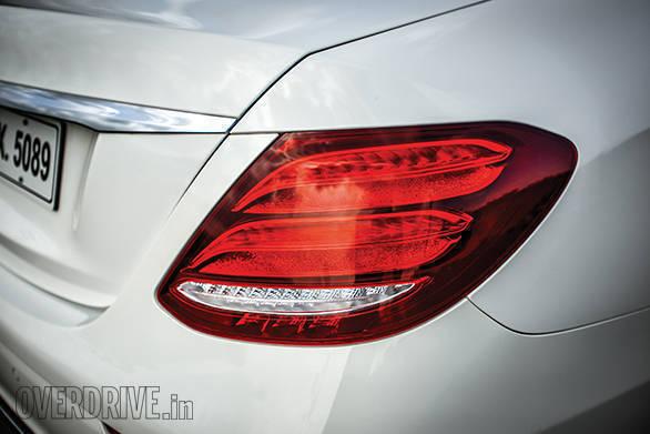 BMW 530D vs Mercedes-Benz E350D (21)