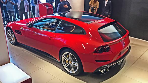 2017 Ferrari GTC4Lusso: The rear is sportier than the FF