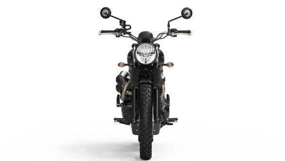 The 2017 Triumph Street Scrambler looks similar to the regular Street Twin except for the knobby tyres