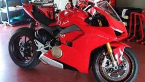Is this the new MotoGP-derived Ducati V4 superbike?