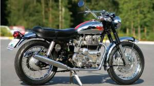 Royal Enfield Interceptor, the classic roadster of the 60s and 70s that could reach 205kmph
