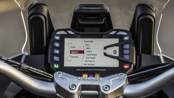 2018 Ducati Multistrada 1260 S instruments detail
