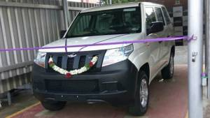 2018 Mahindra TUV300 Plus delivered to select customer ahead of launch next year