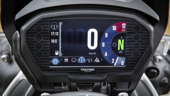 2018 Triumph Tiger 800 TFT screen detail