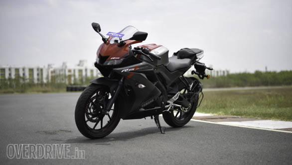 Yamaha YZF-R15 V3.0 static front 3/4