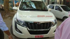 2018 Mahindra XUV500 facelift spotted undisguised before April launch