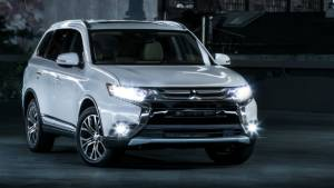 Mitsubishi Outlander SUV prices dropped to Rs 26.93 lakh in India, gets new features