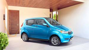 Government plans to offer Rs 1.4 lakh subsidy on electric vehicles