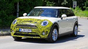Mini Clubman facelift spied testing in Germany