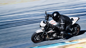 Triumph Street Triple RS gets two new colour options in India