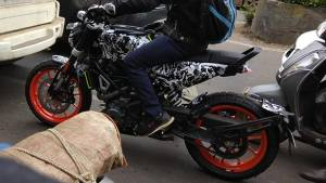 Spied: Husqvarna Svartpilen 401 with KTM 390 Duke engine and wheels caught testing in India
