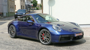 Next generation Porsche 911 spotted testing on the Autobahn, possible reveal in October