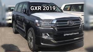 2019 Toyota Land Cruiser and Lexus LX 570 Black Edition S spied