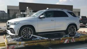 Upcoming 2019 Mercedes-Benz GLE-Class SUV spotted undisguised again