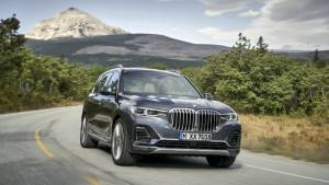 BMW X7 SUV sold out for MY 2019 - next batch available in 2020