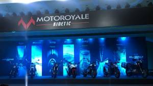 2018 Motoroyale range starts with the FB Mondial HPS 300 at Rs 3.37 lakh, in India