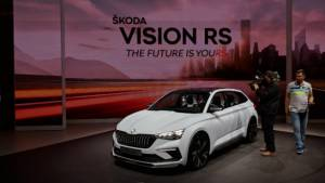 Image gallery: Skoda Kodiaq RS and Vision RS at the 2018 Paris Motor Show