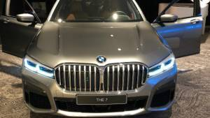 2019 BMW 7 Series facelift spotted undisguised