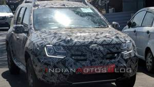 2020 Renault Duster facelift spotted under camouflage