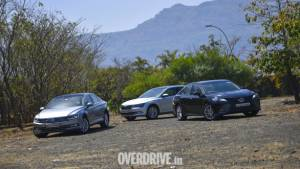 Comparison test: Toyota Camry Hybrid vs Volkswagen Passat vs Skoda Superb
