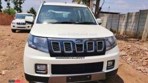 Upcoming Mahindra TUV300 SUV facelift spotted undisguised