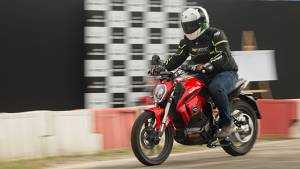 Revolt RV400 electric motorcycle - first ride review