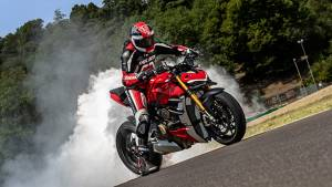 Ducati Streetfighter V4 is a 208PS monster!