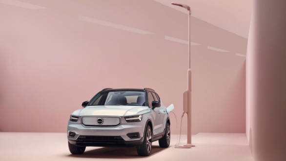 2020 Volvo XC40 Recharge electric SUV unveiled