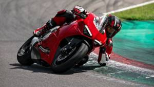 Ducati India opens pre-bookings for its first BSVI bike, the Panigale V2
