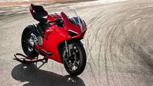 Ducati Panigale V2 - The 959 Panigale replacement has been showcased
