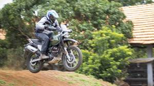 Master Class: Learning Off-road tricks with CS Santosh at Big Rock Dirt Park